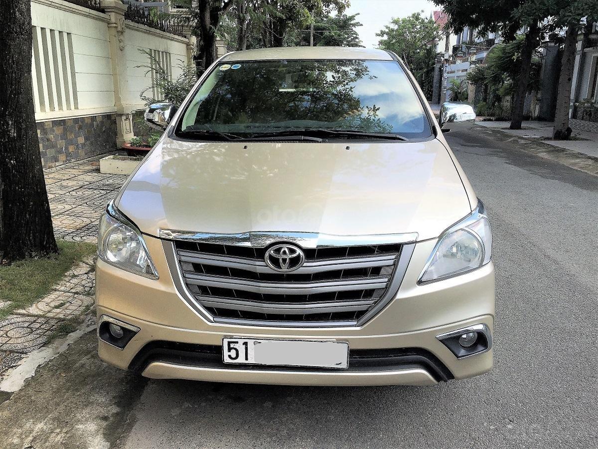 Bán Innova E cuối 2015 màu nâu vàng, xe zin đẹp nhà dùng (1)