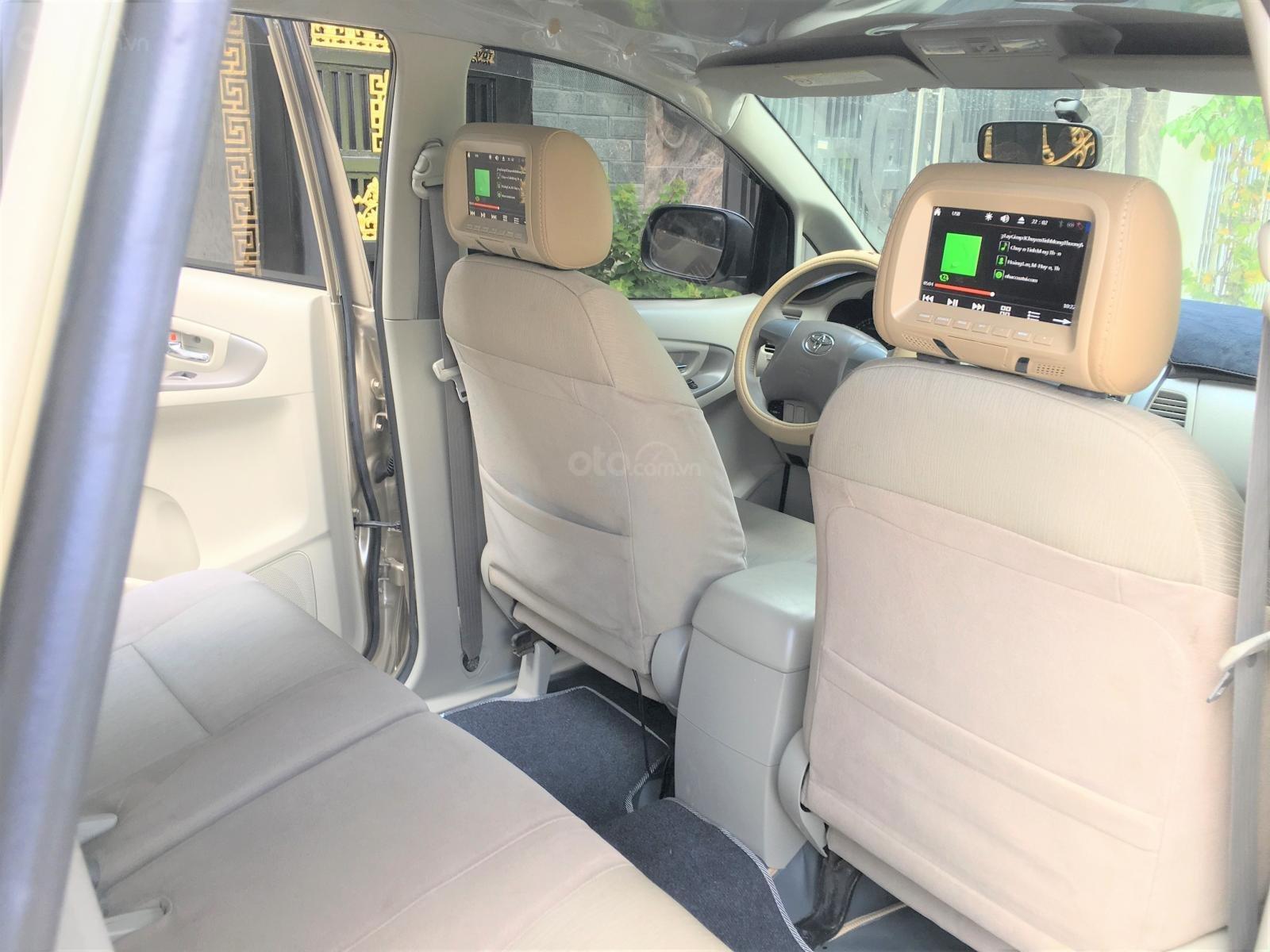 Bán Innova E cuối 2015 màu nâu vàng, xe zin đẹp nhà dùng (8)