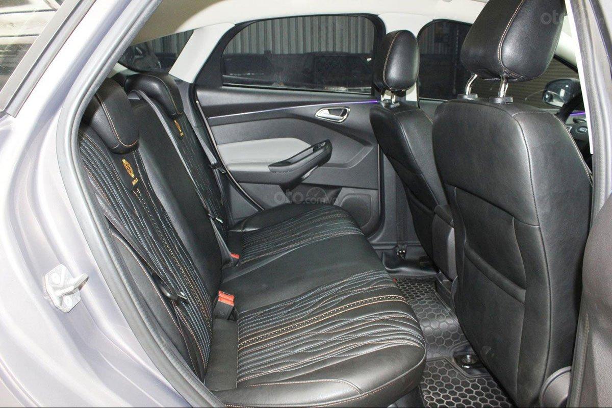 Hàng ghế thứ hai trên xe Ford Focus 2019 1
