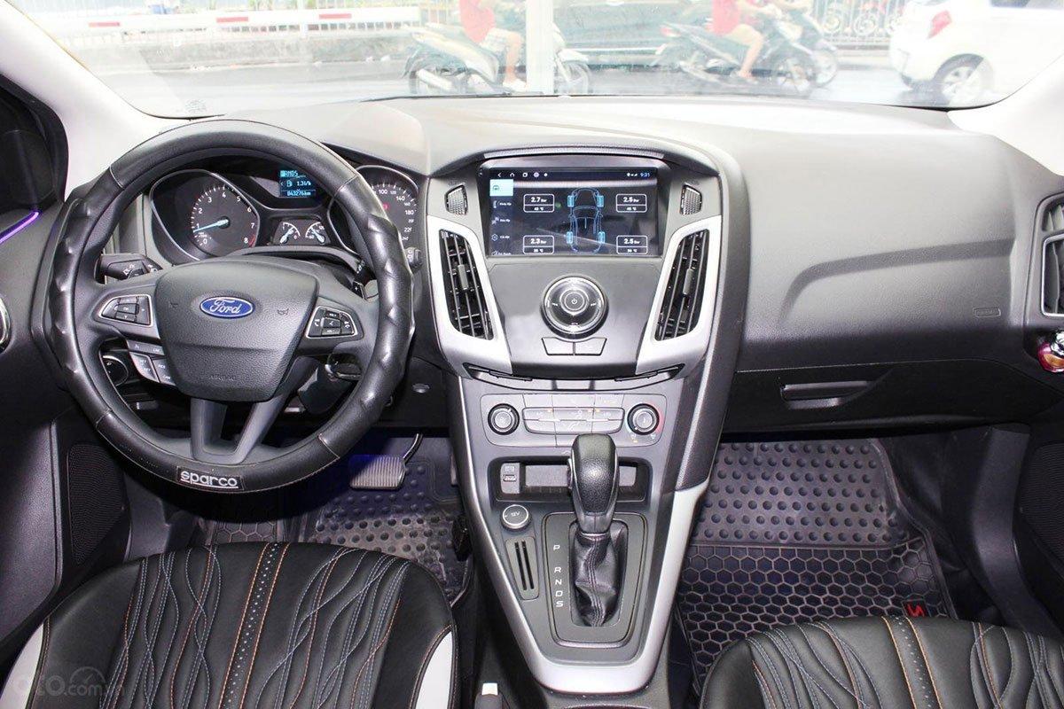 Khu vực điều khiển trung tâm xe Ford Focus 2019 1