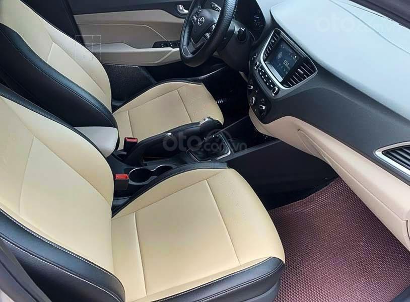 Bán Hyundai Accent sản xuất 2020, màu bạc còn mới giá cạnh tranh (4)