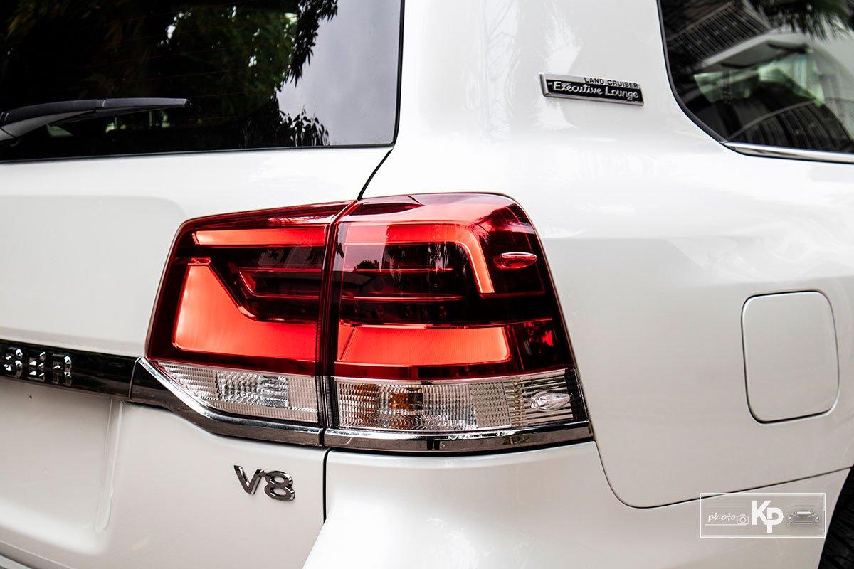 Ảnh Đèn hậu xe Toyota Land Cruiser 2021 a1
