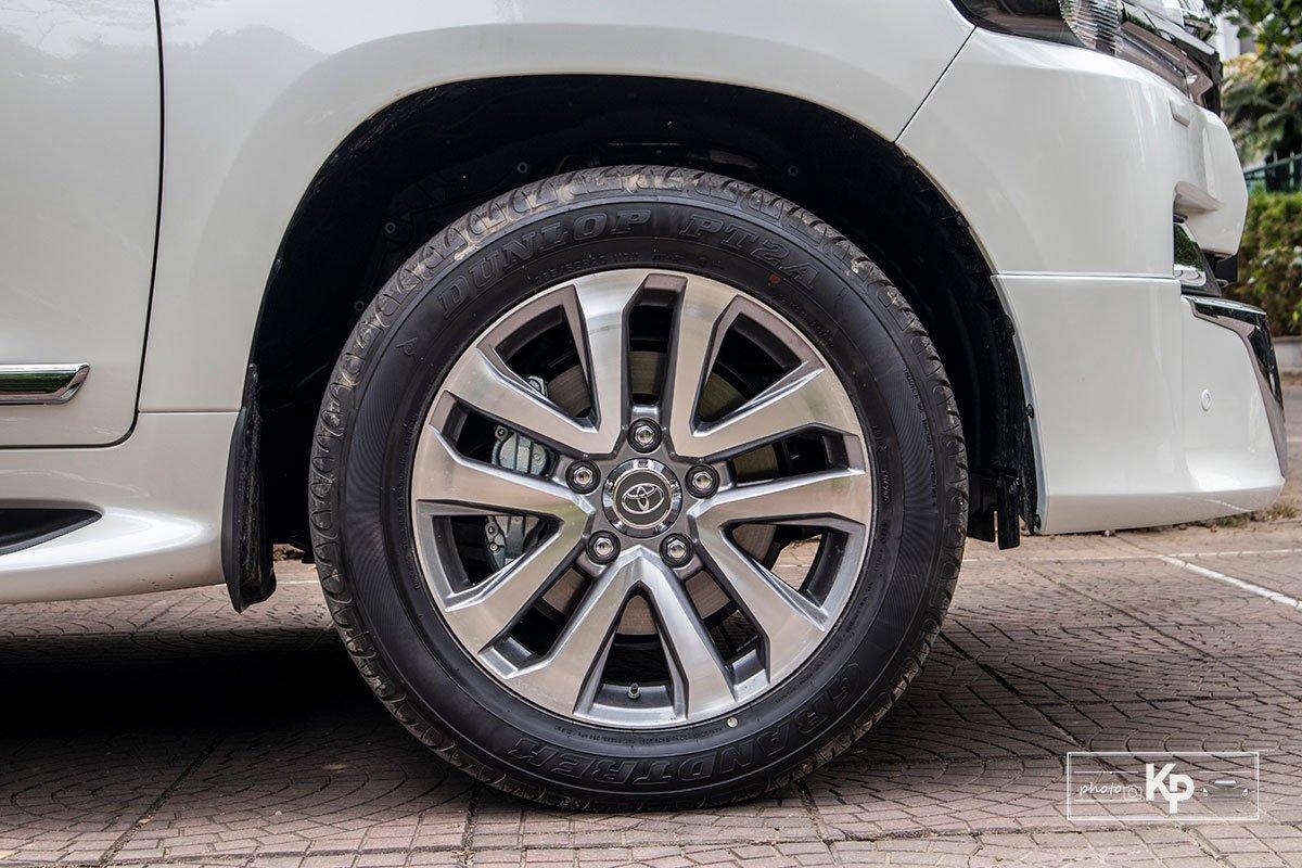 Ảnh La-zăng xe Toyota Land Cruiser 2021