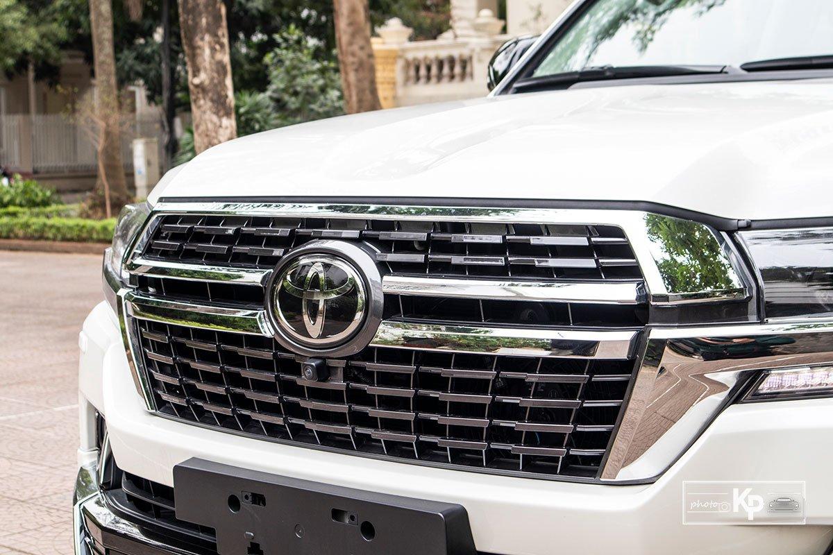 Ảnh Lưới tản nhiệt xe Toyota Land Cruiser 2021