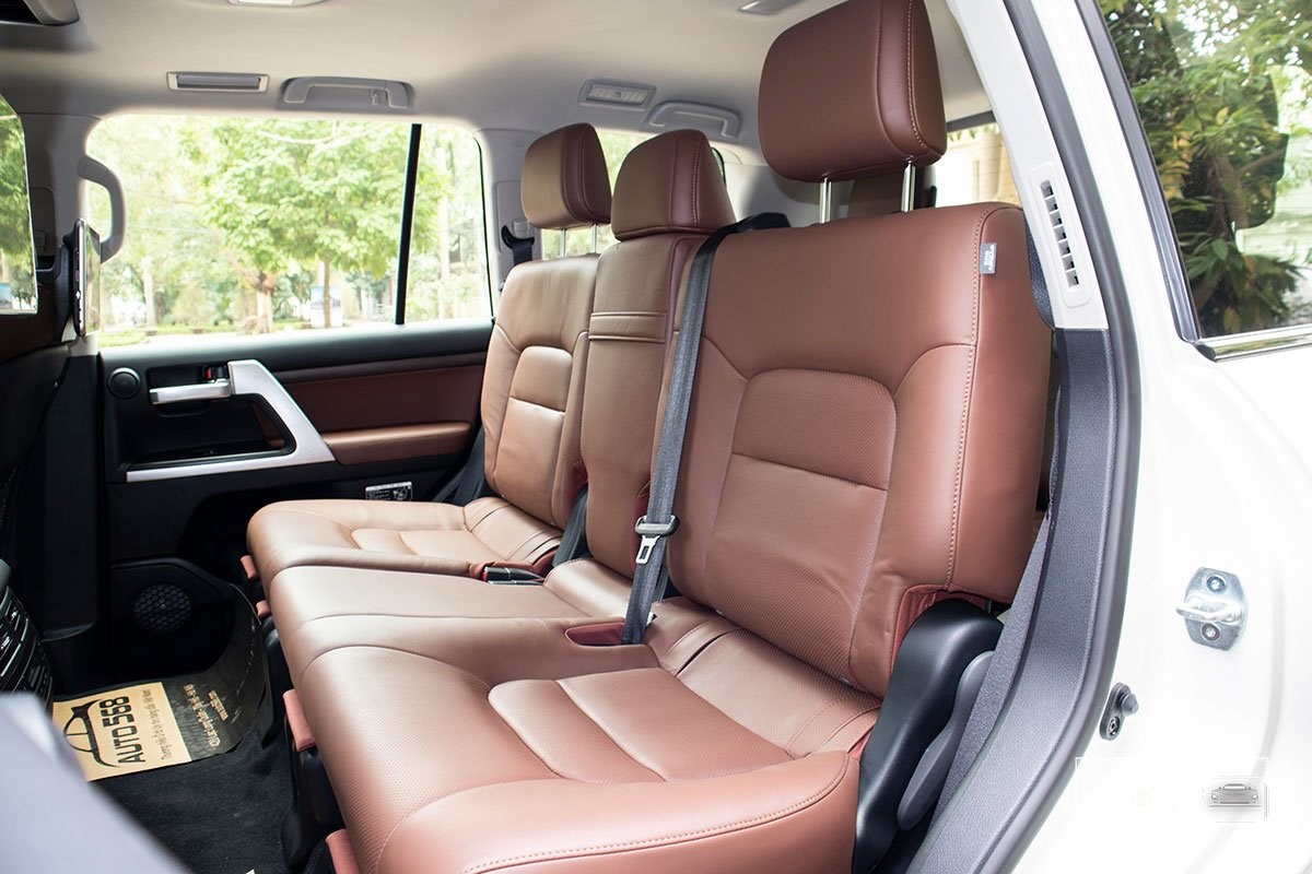 Ảnh Ghế giữa xe Toyota Land Cruiser 2021
