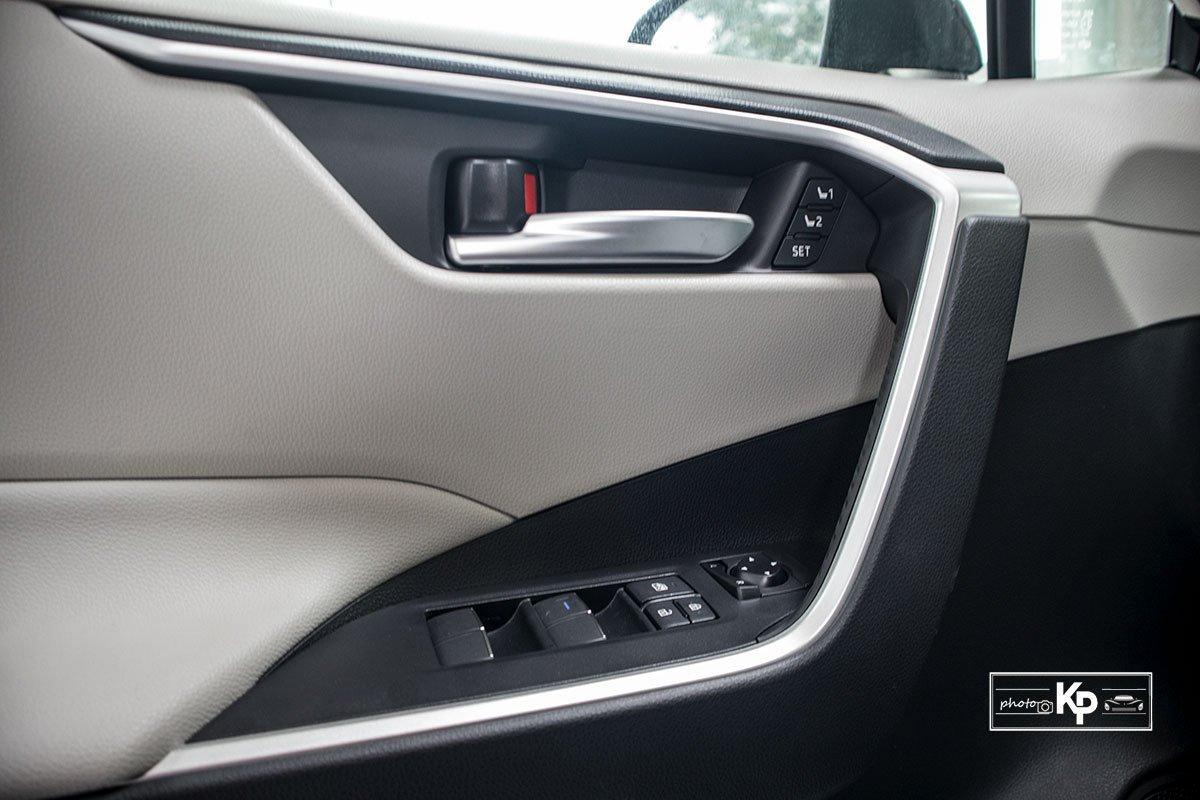 Ảnh Táp-li xe Toyota RAV4 2021