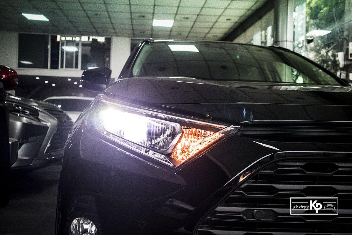 Ảnh Đèn pha xe Toyota RAV4 2021
