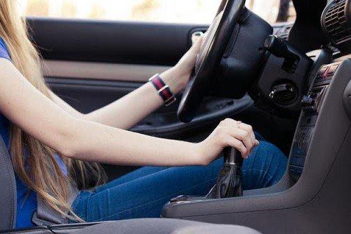 Những thói quen tưởng chừng vô hại của tài xế khiến ô tô ngốn nhiều xăng