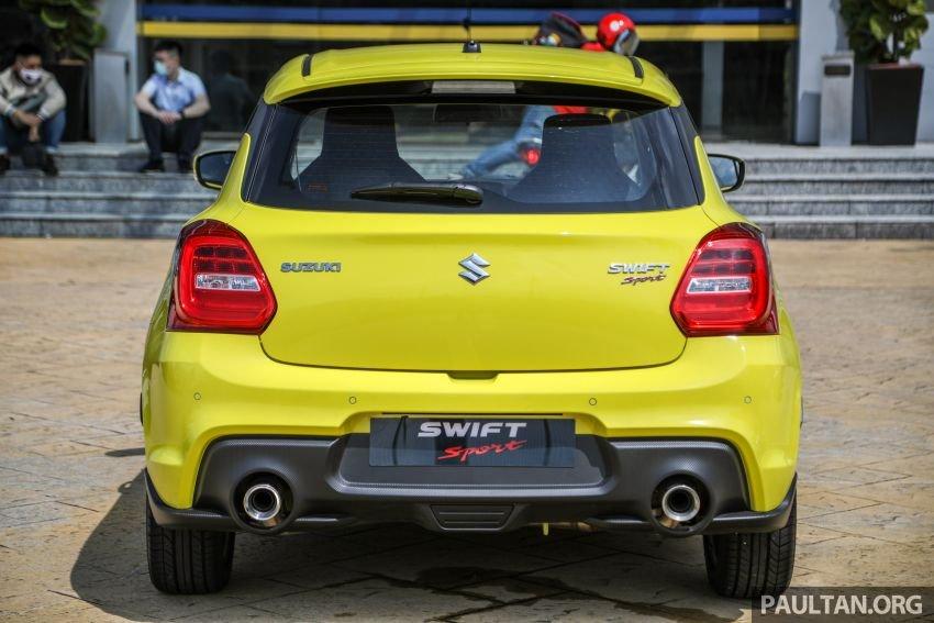 Suzuki Swift Sport 2021 trở nên bắt mắt và thể thao hơn.