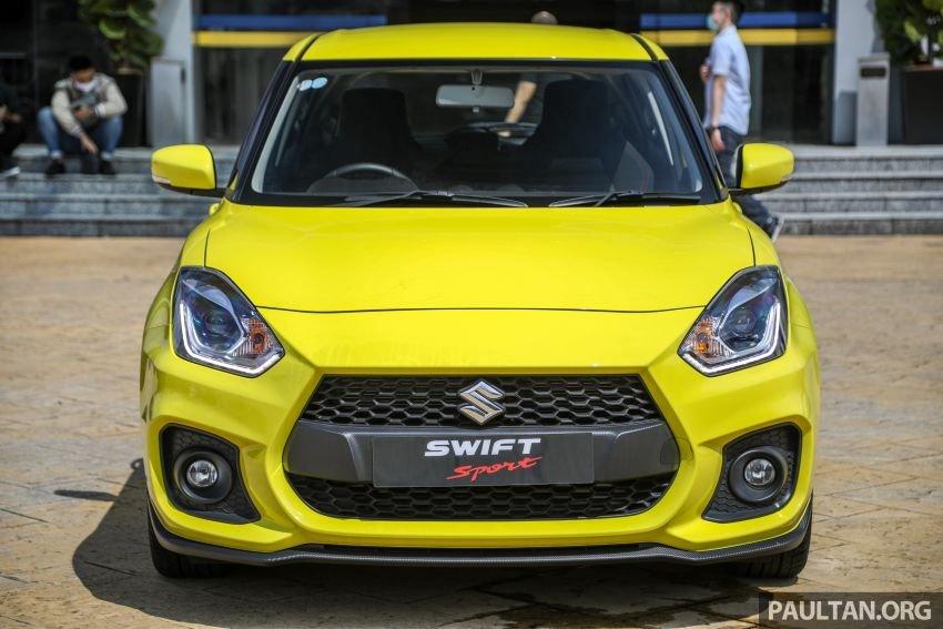 Suzuki Swift Sport 2021 cập nhật mới, tăng mạnh về giá.