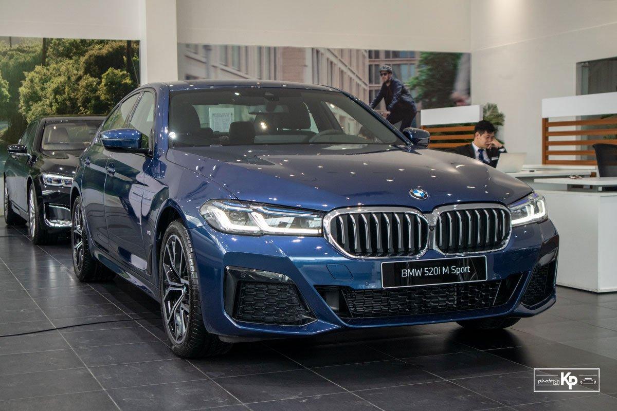 Đánh giá xe BMW 5-Series 2021: Đáp trả Mercedes-Benz E-Class a1