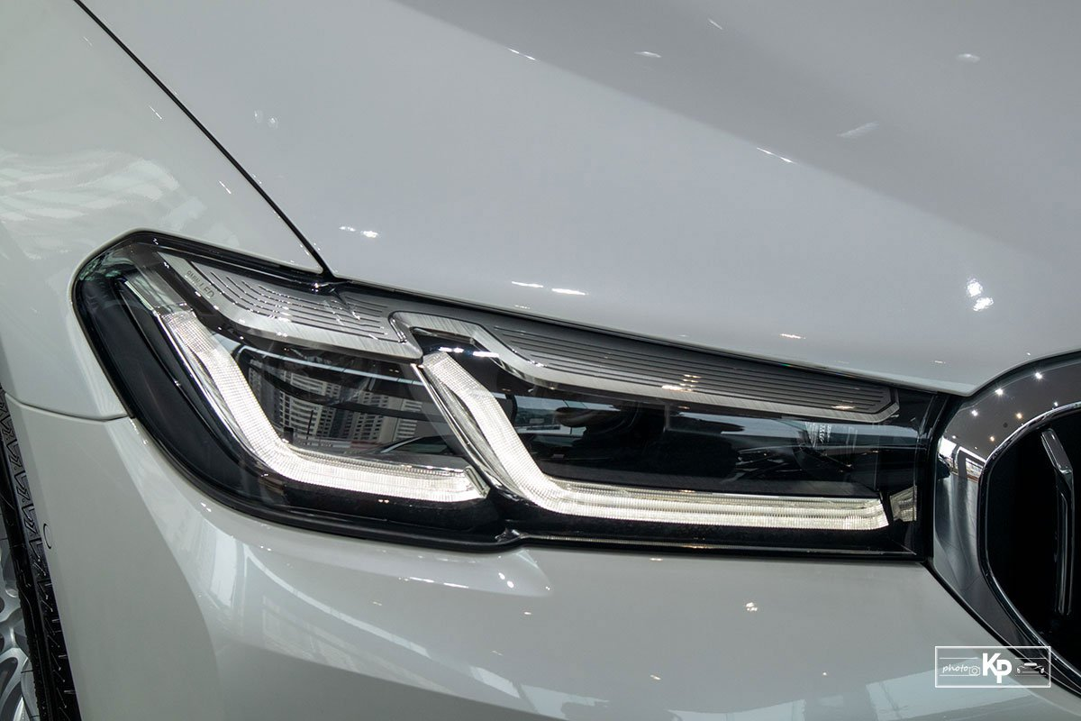 Ảnh Đèn pha xe BMW 5-Series 2021