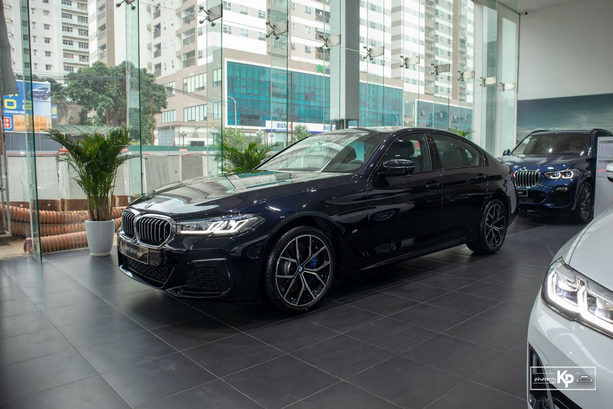 Đánh giá xe BMW 5-Series 2021: Đáp trả Mercedes-Benz E-Class a2