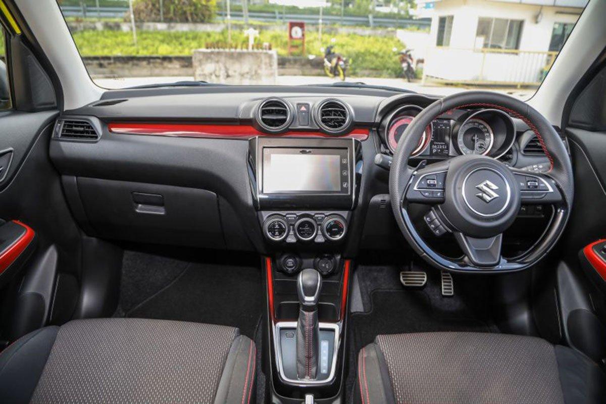 Ảnh Khoang lái xe Suzuki Swift 2021