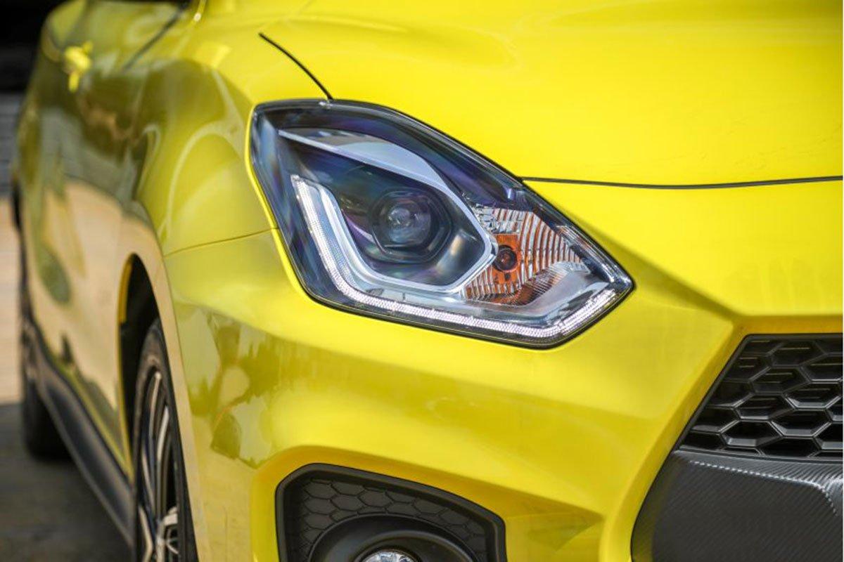Ảnh Đèn pha xe Suzuki Swift 2021