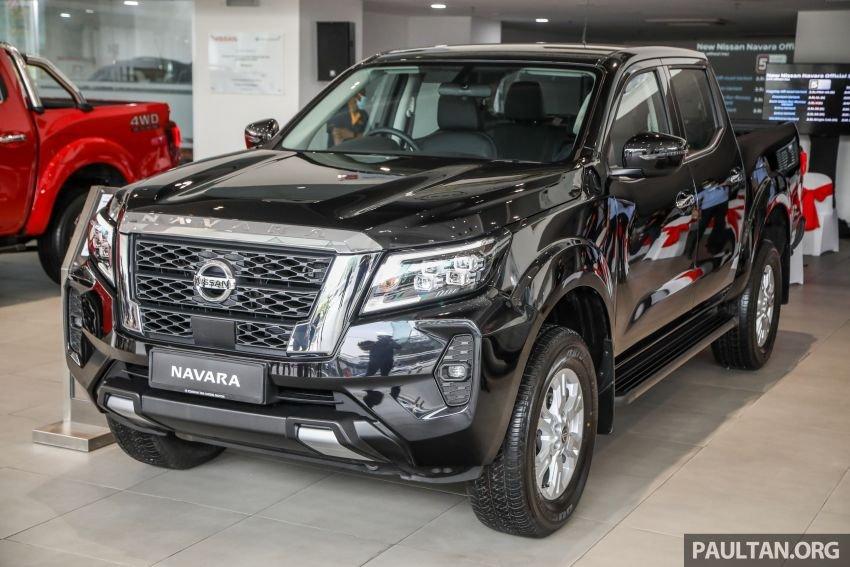 Nissan Navara 2021 đời mới chào giá từ 514 triệu đồng