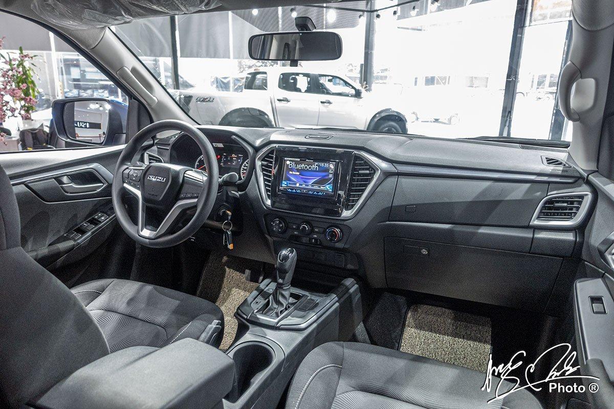 Không gian nội thất xe Isuzu D-Max 2021 1