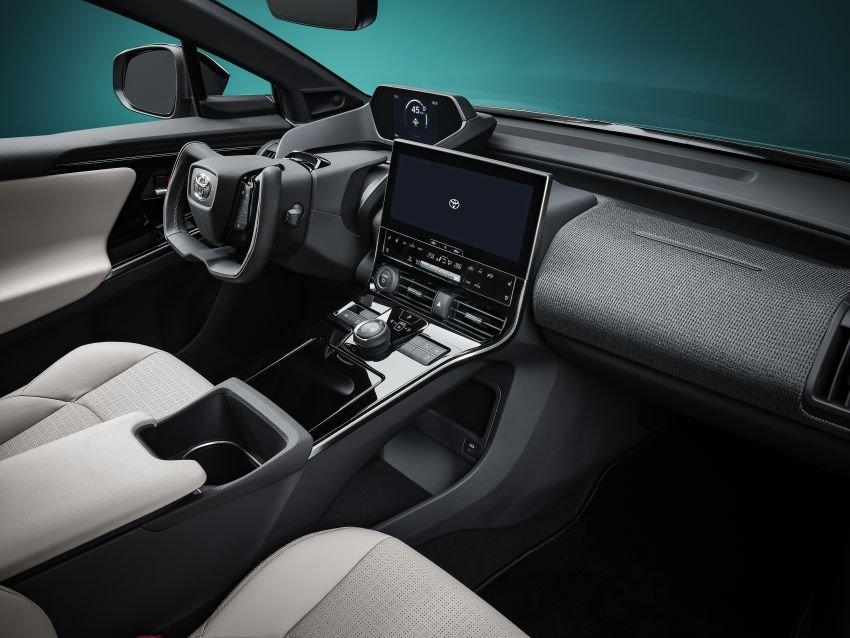 [Auto Shanghai 2021] Nội thất xe Toyota bZ4X concept cũng rất hiện đại.