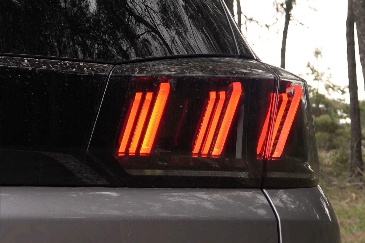 Ảnh Đèn hậu xe Peugeot 5008 2021