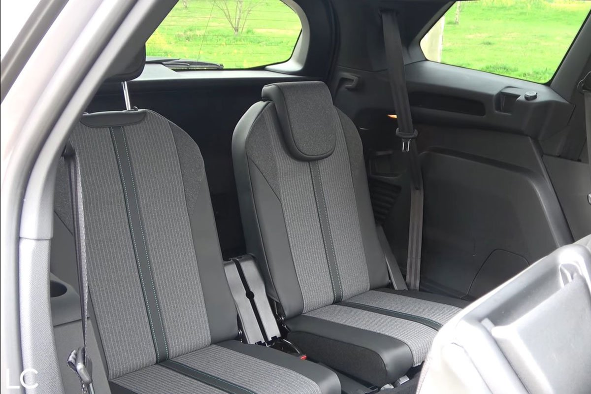 Ảnh Ghế sau xe Peugeot 5008 2021