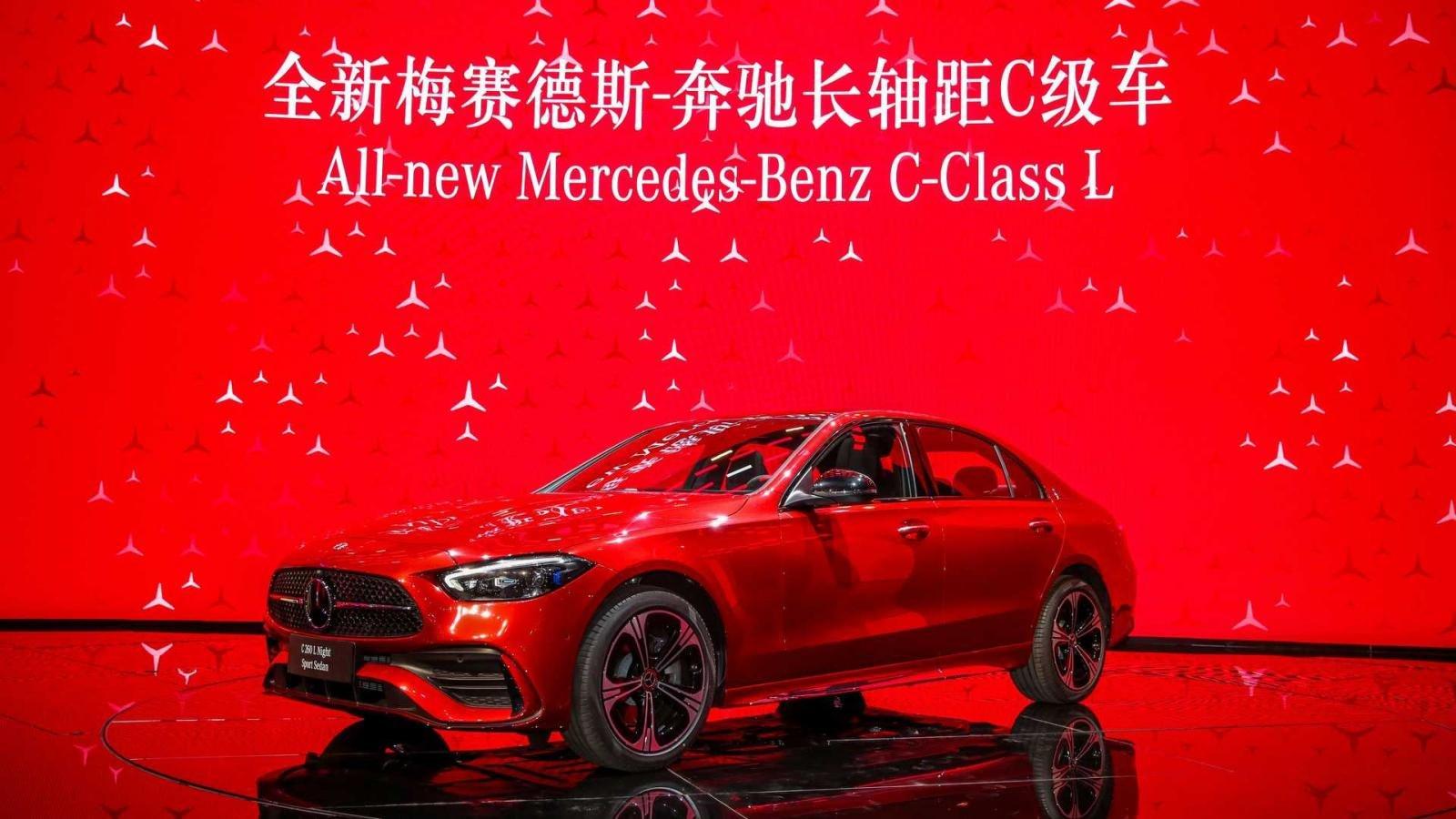 [Auto Shanghai 2021] Mercedes-Benz C-Class L mở rộng không gian nhằm phục vụ người dùng tốt hơn.