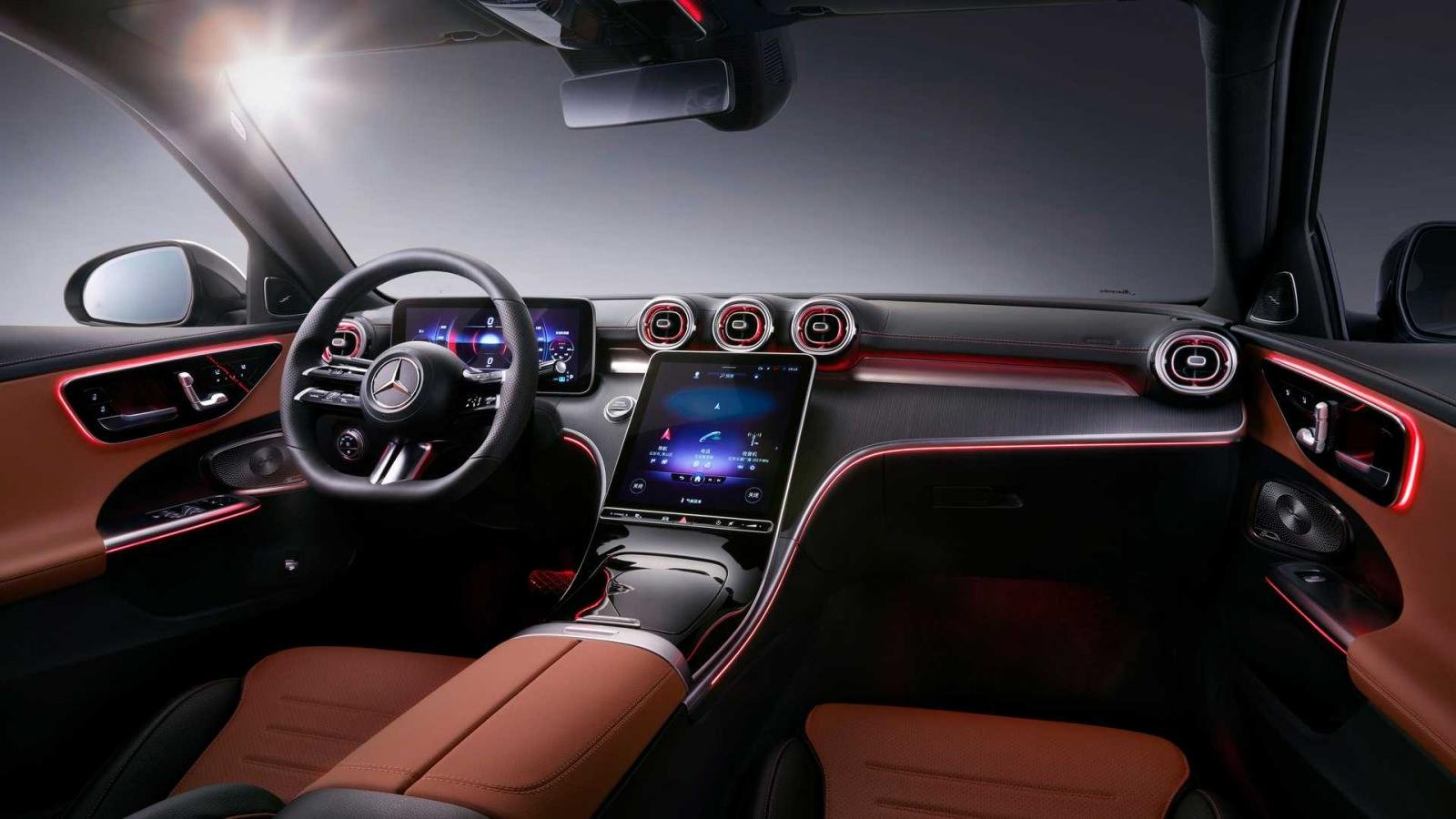 [Auto Shanghai 2021] Mercedes-Benz C-Class L tích hợp loạt công nghệ cùng trang bị lái hiện đại.