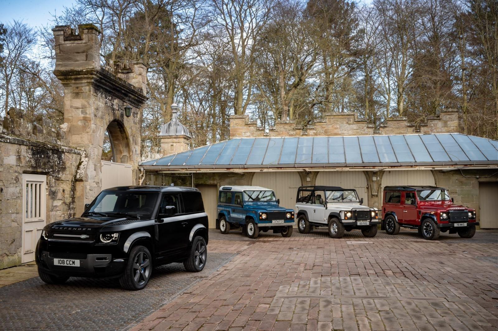 Land Rover Defender 2021 hiện đại hơn với nhiều tùy chọn hấp dẫn.