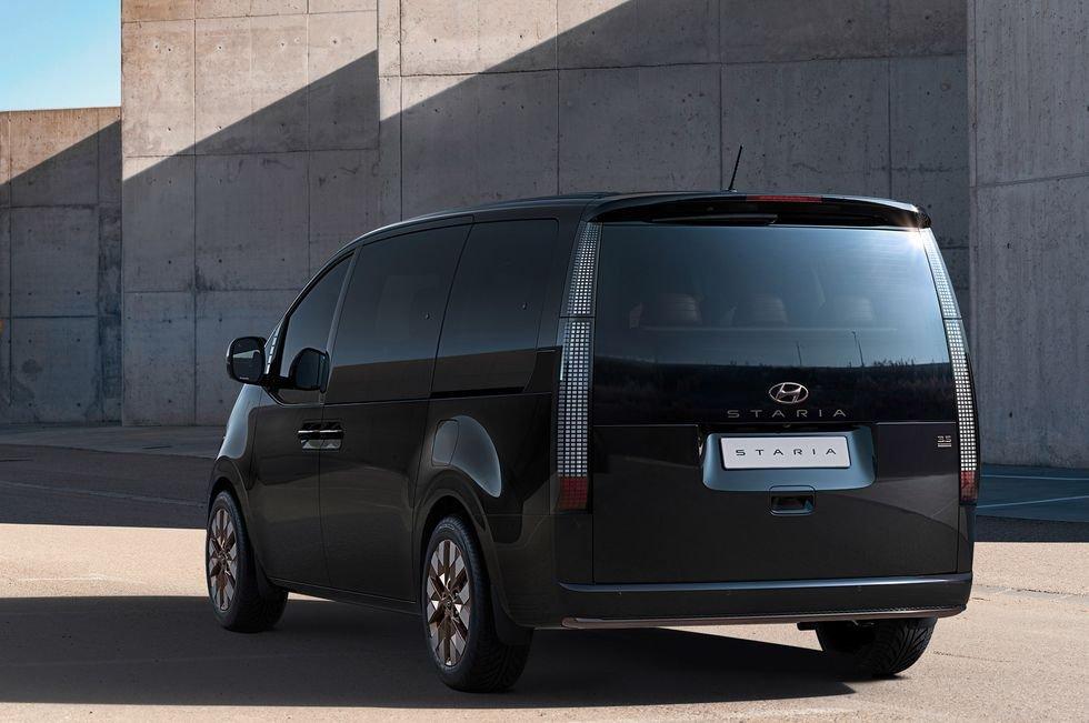 MPV Hyundai Staria đa dụng và tiện dùng.