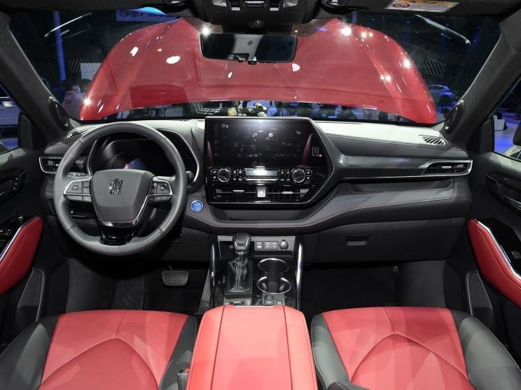[Auto Shanghai 2021] Toyota Crown SUV cao cấp hơn mẫu Toyota Highlander truyền thống.