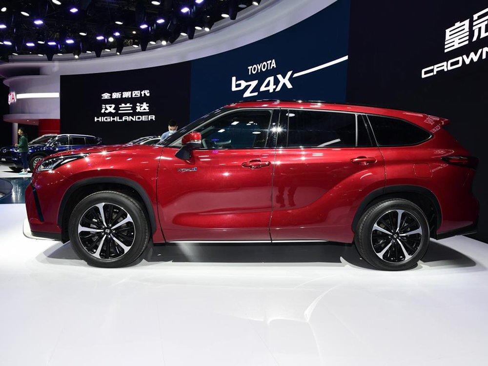 [Auto Shanghai 2021] Toyota Crown SUV là thành quả của sự hợp tác giữa Toyota và FAW.