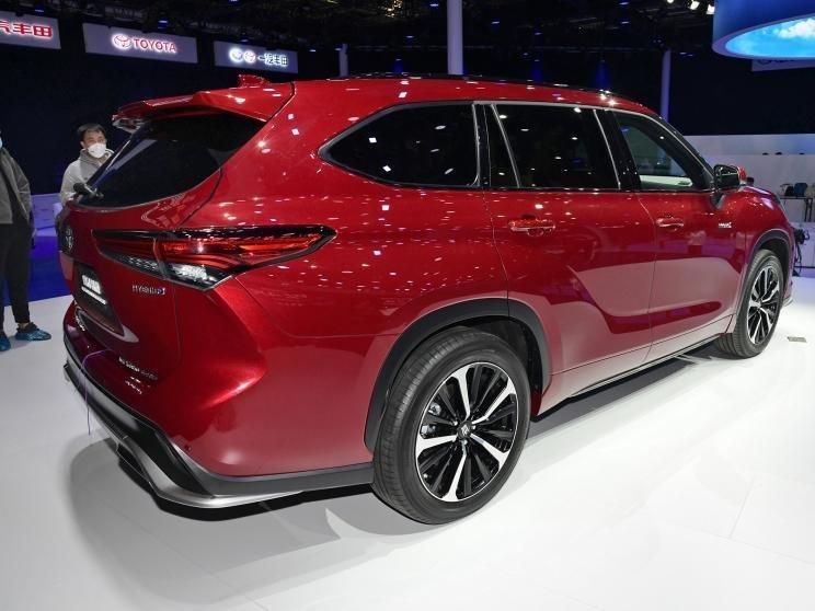 [Auto Shanghai 2021] Toyota Crown SUV hấp dẫn và nổi bật.