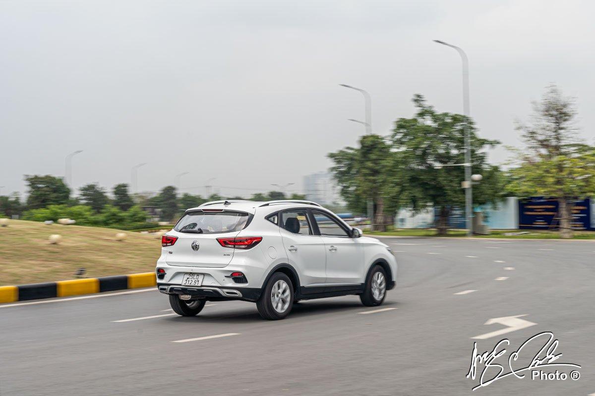 đánh giá xe MG ZS STD+ 2021: vận hành 1.