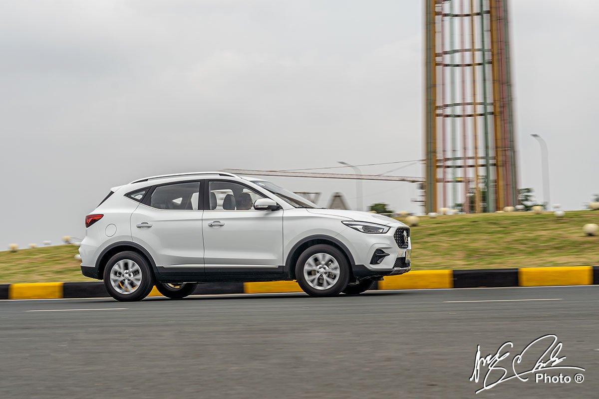 đánh giá xe MG ZS STD+ 2021: vận hành 4.