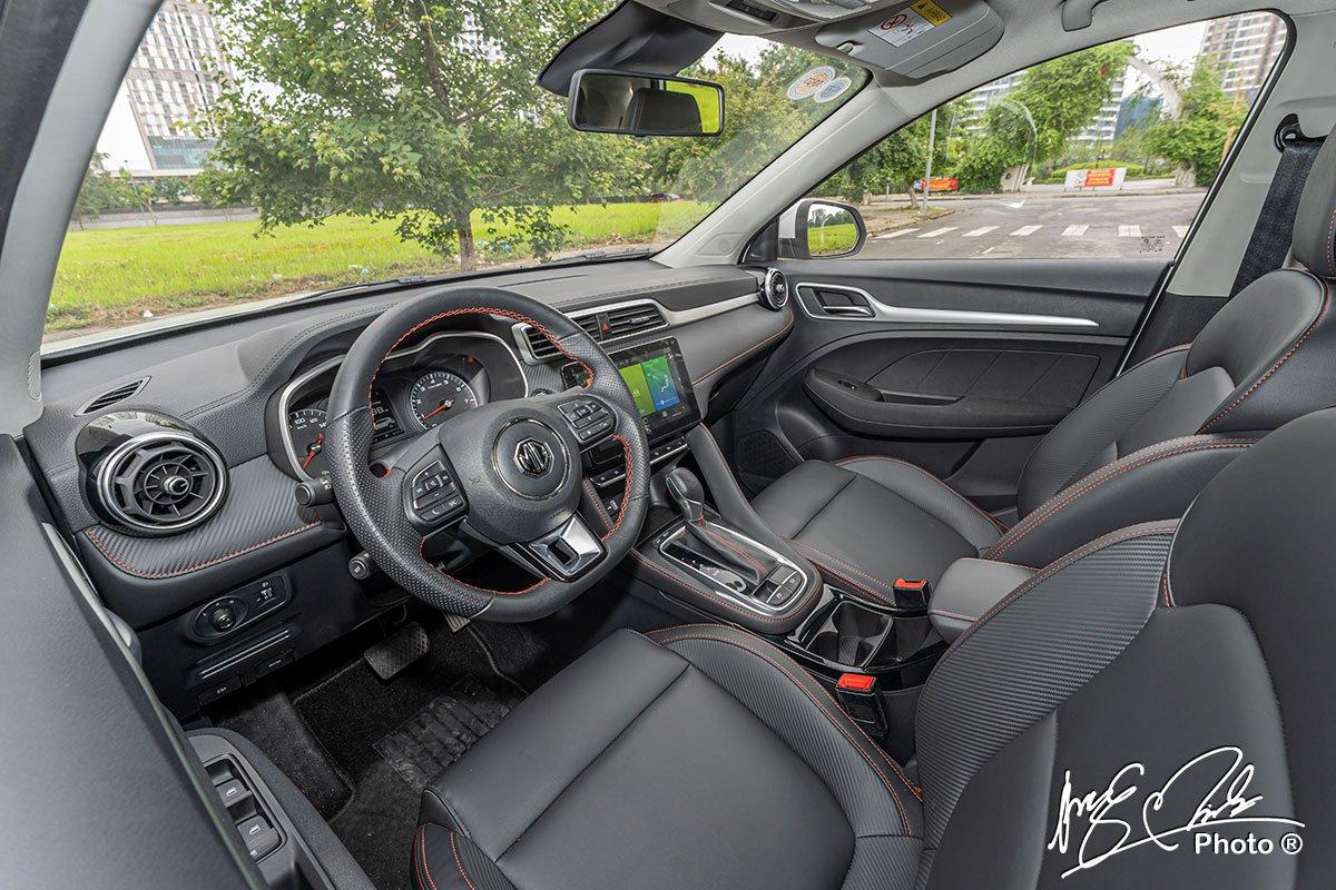 đánh giá xe MG ZS STD+ 2021: nội thất.