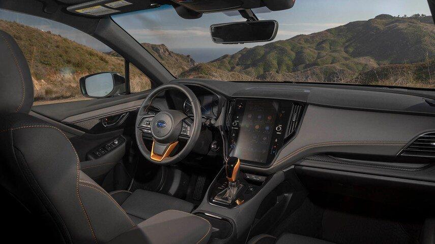 Subaru Outback 2022 tích hợp các tính năng an toàn và trang bị tiện nghi hiện đại.