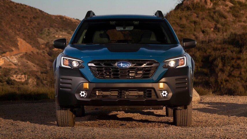 Subaru Outback 2022 bổ sung thêm trang bị tiêu chuẩn mới hiện đại hơn.