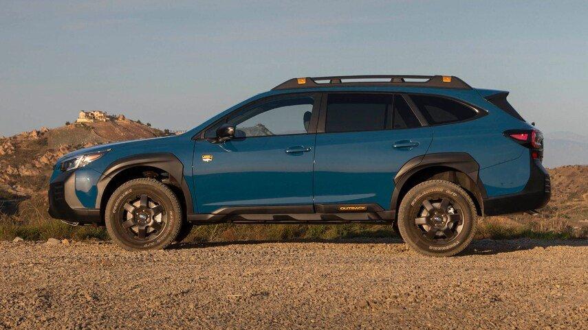 Subaru Outback 2022 mạnh mẽ và xử lý tốt hơn.
