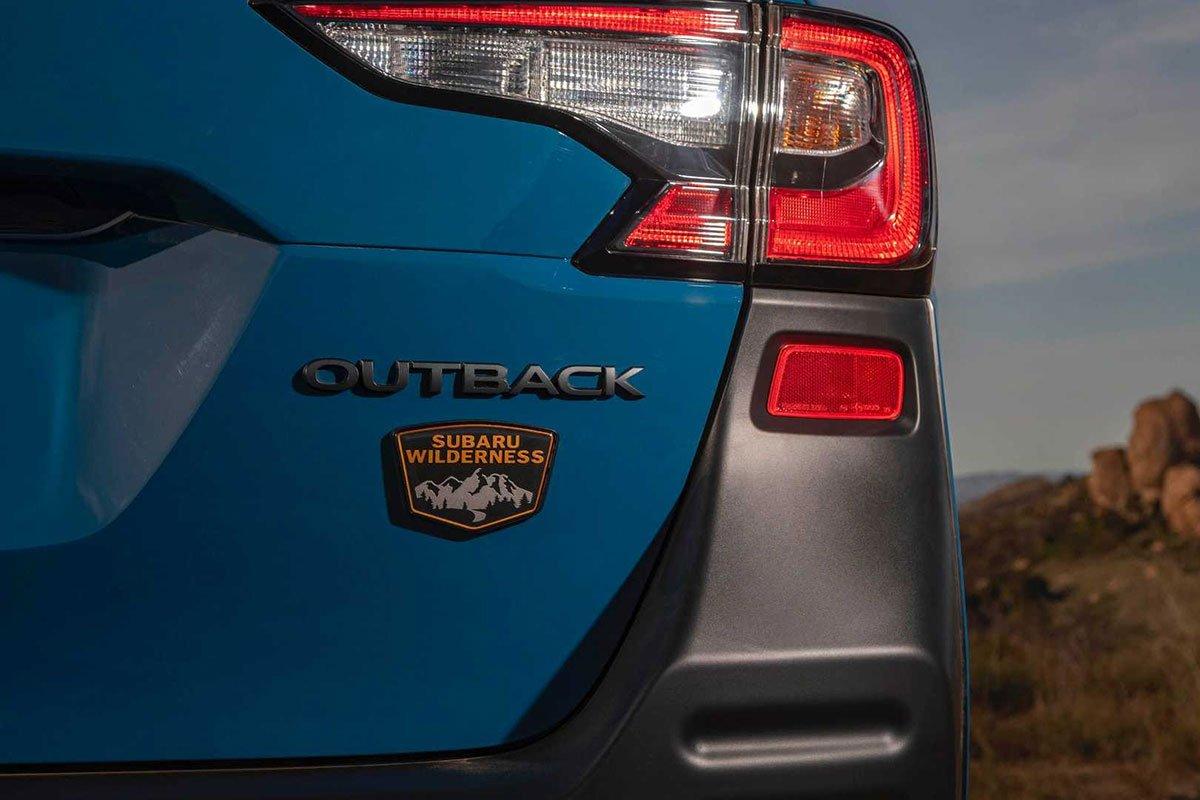 Ảnh Đèn hậu xe Subaru Outback 2022 a1