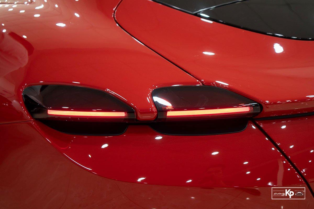 """Cận cảnh xe Ferrari Roma màu đỏ Rosso """"độc nhất"""" Việt Nam a5"""
