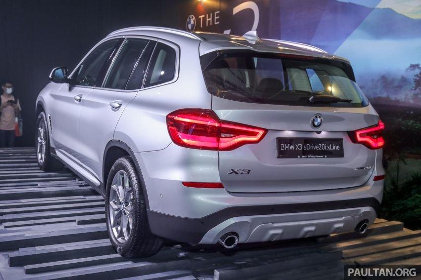 BMW X3 mạnh mẽ và tiết kiệm nhiên liệu.