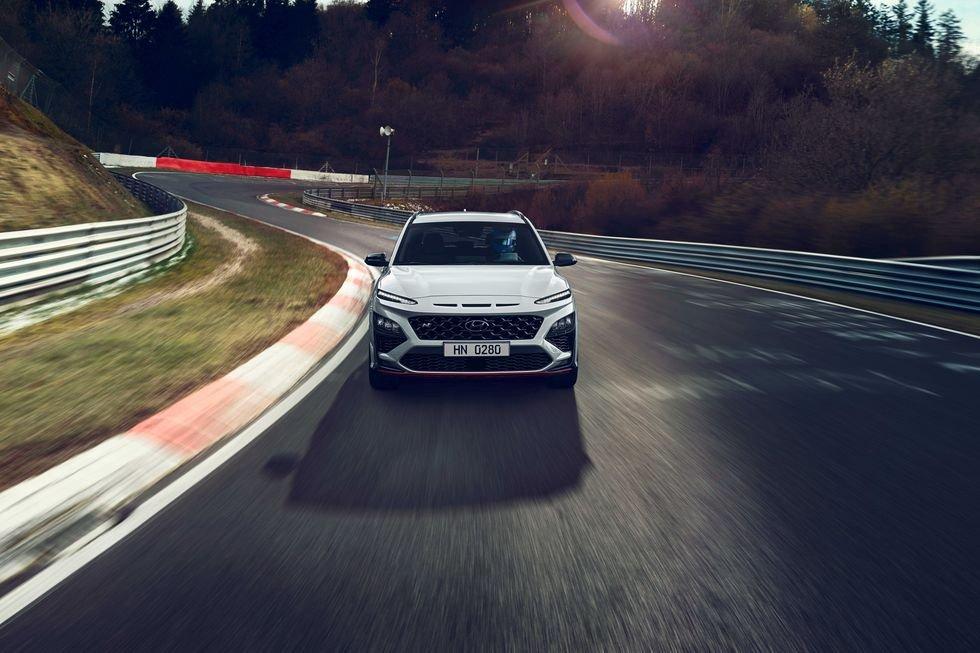 Hyundai Kona N 2022 thể thao và hầm hố hơn.