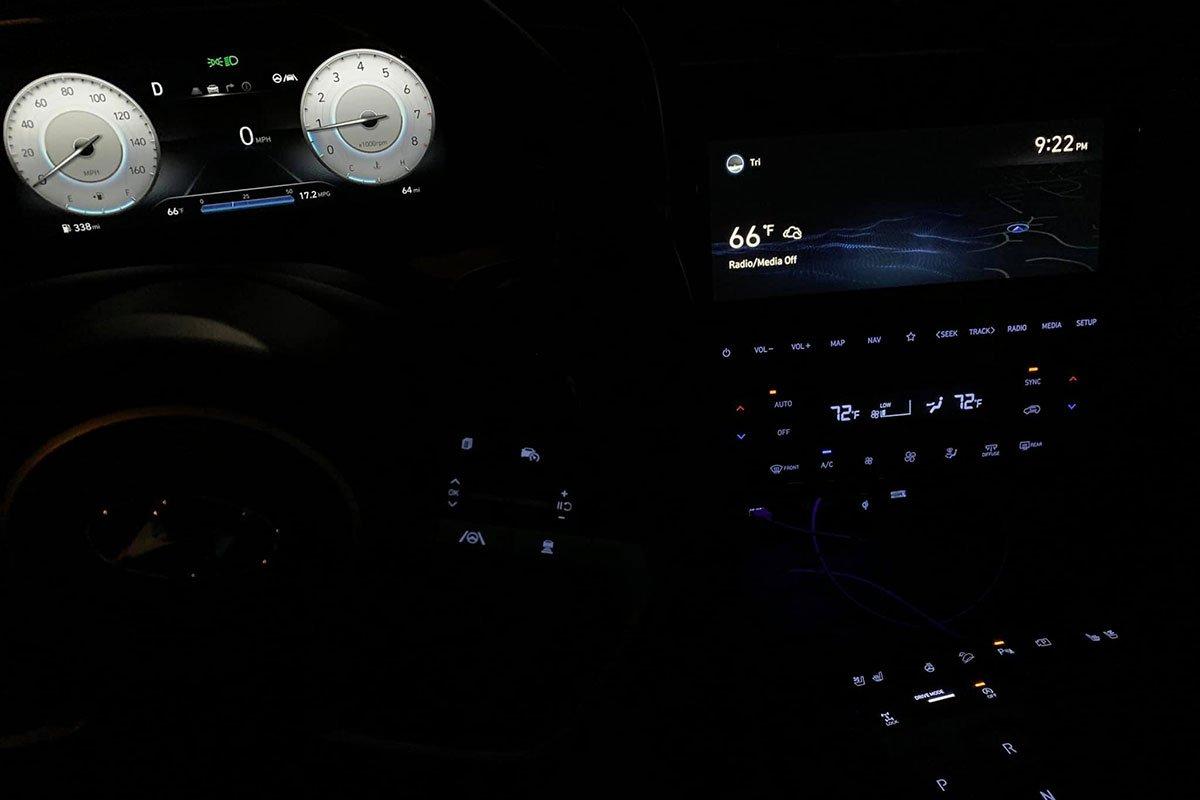 """Người Việt đầu tiên """"bóc tem"""" Hyundai Tucson 2022: Quá đẹp, nhưng màn hình gây tranh cãi a6"""