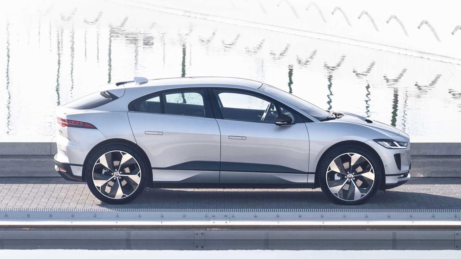 SUV Jaguar I-PACE hấp dẫn sẵn có trở nên cuốn hút hơn nữa.
