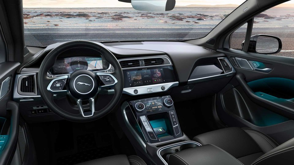 SUV Jaguar I-PACE là sự kết hợp hoàn hảo giữa công nghệ hiện đại và thiết kế sang trọng.