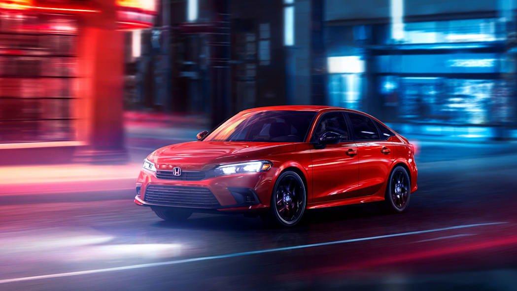 Honda Civic 2022 sedan mới thon gọn và hiện đại hơn.