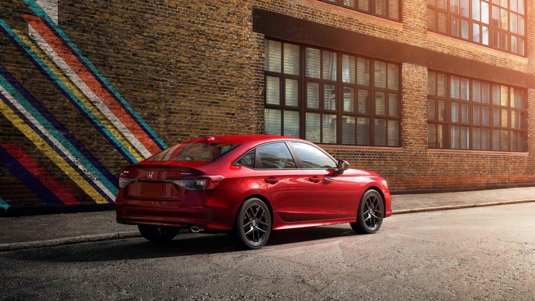Honda Civic 2022 sedan mới tăng nhẹ về kích cỡ.