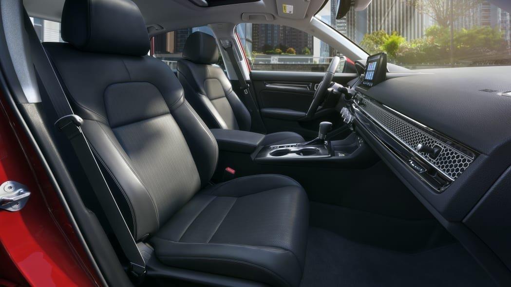 Honda Civic 2022 sedan đặt độ an toàn và thoải mái của người dùng làm ưu tiên hàng đầu.