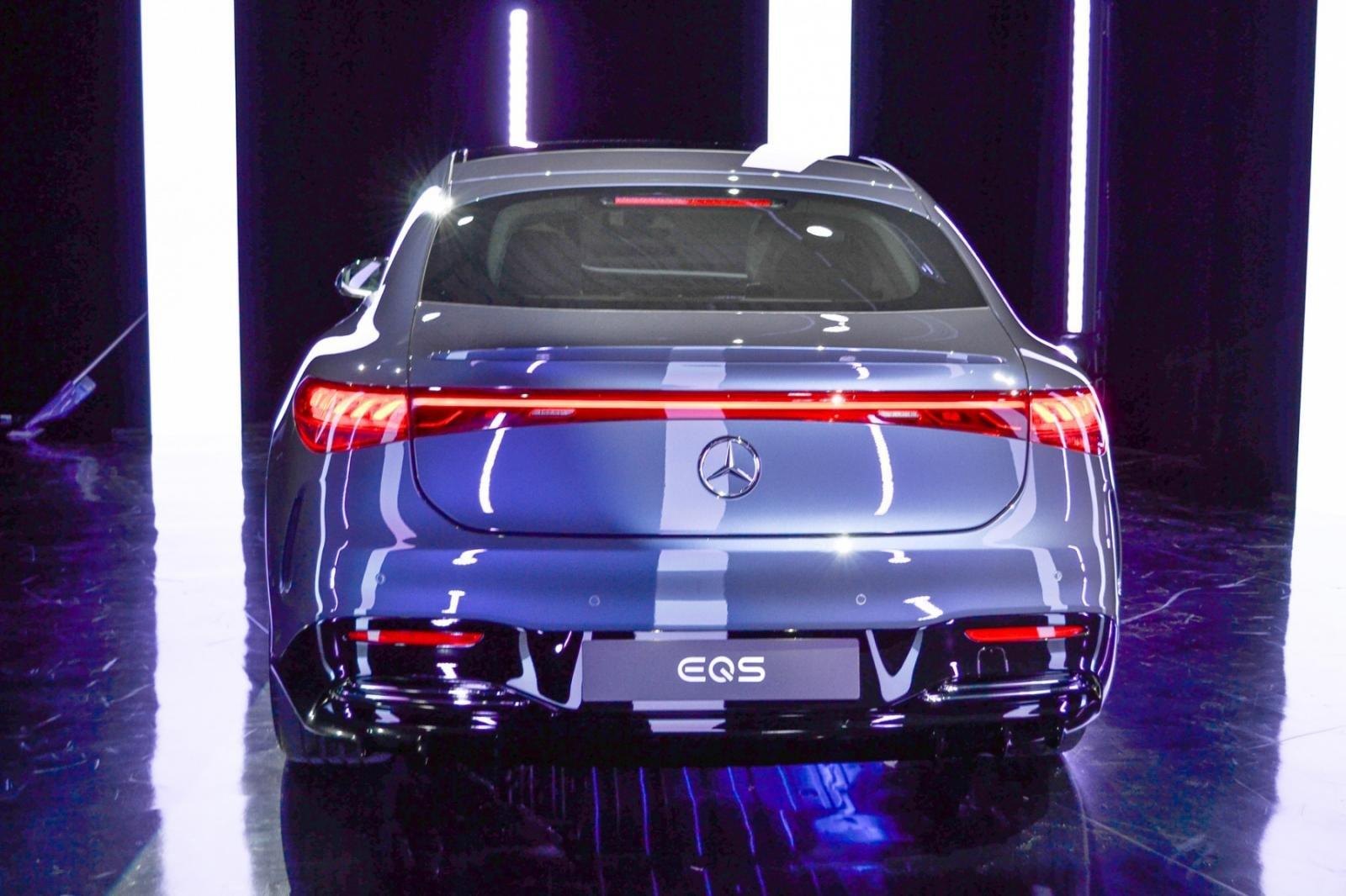 Mercedes-Benz EQS 2022 có tầm vận hành cao nhờ công nghệ pin điện hiện đại.