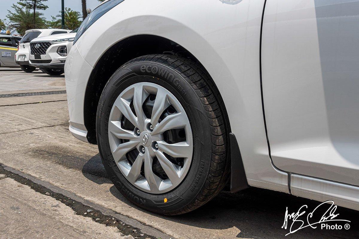 Soi chi tiết Hyundai Accent 1.4MT tiêu chuẩn 2021, giá hơn 400 triệu đồng đấu Vios, City a5