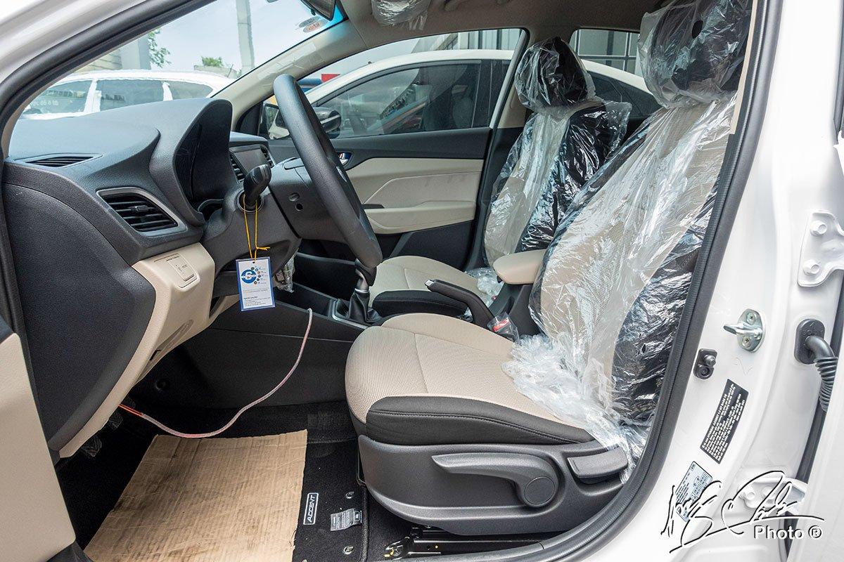 Soi chi tiết Hyundai Accent 1.4MT tiêu chuẩn 2021, giá hơn 400 triệu đồng đấu Vios, City a11